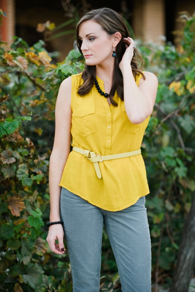 Yellow Gray Outfit Black Onyx Jewelry