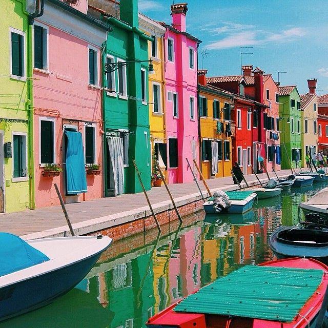 Color Building Venice Photo